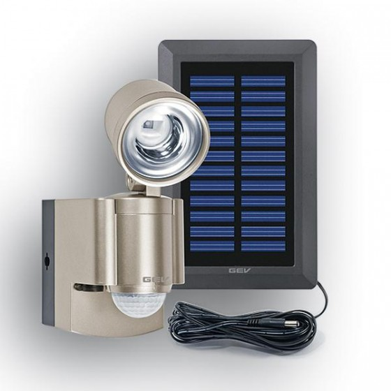 Solar-LED Spot mit Bewegungsmelder und Alarmfunktion. Separates Solarmodul, inklusive Akku-Pack.